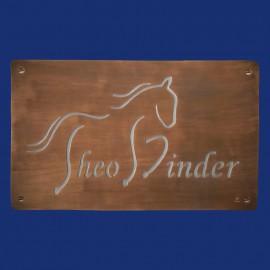 Firmenschild mit Pferdemotiv aus Kupfer und Aluminium
