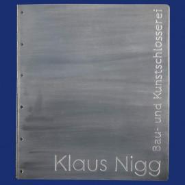 Metallordner / Mustermappe im Hochformat