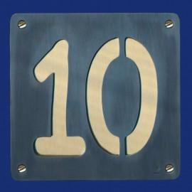 """Hausnummer """"10"""" aus Kupfer, schwarz patiniert und Messing"""