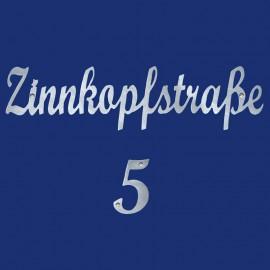 Hausnummer mit Straßenname Schriftzug Schreibschrift