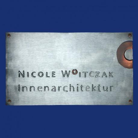 Firmenschild im Querformat mit Logo