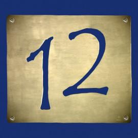 Hausnummer 12 mit versetzten Zahlen